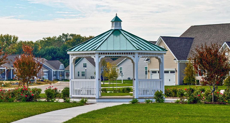 outdoor-living-gazebo-octogonal-metal-roof
