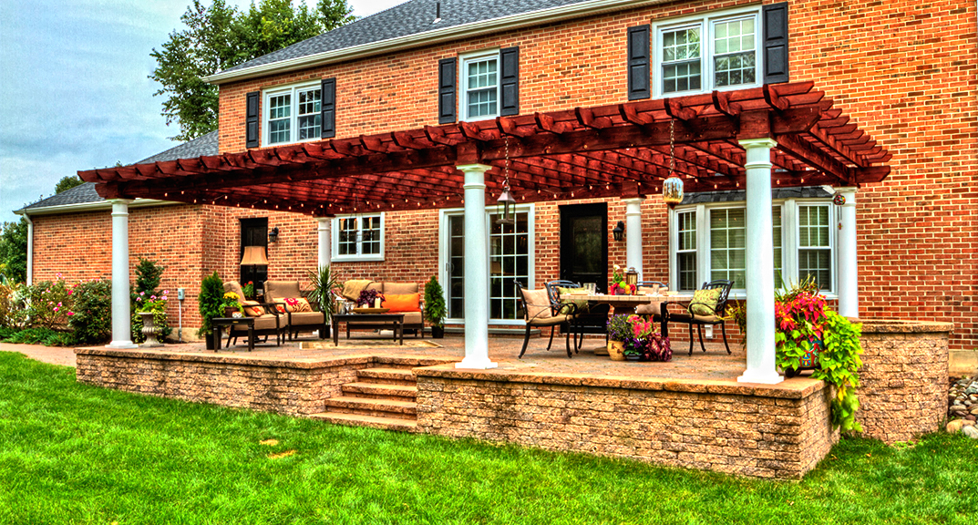 outdoor-living-pergola-artisan-wood-16x32-with-10-inch-round-columns-and-canyon-brown-stain