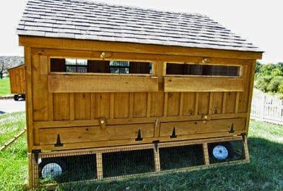 Super Coop: Rear ventilation windows, Clean Coop, under coop panels